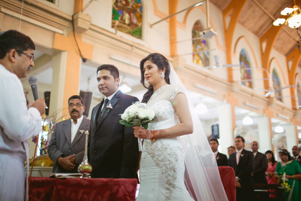 mumbai-church-wedding-into-candid-photography-ag-27.jpg