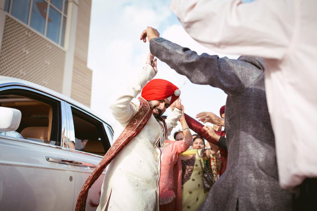destination-dubai-sikh-wedding-into-candid-photography-pd-0024.jpg