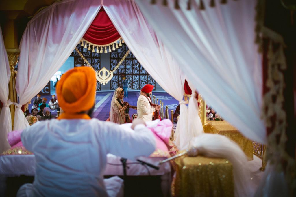 destination-dubai-sikh-wedding-into-candid-photography-pd-0040.jpg