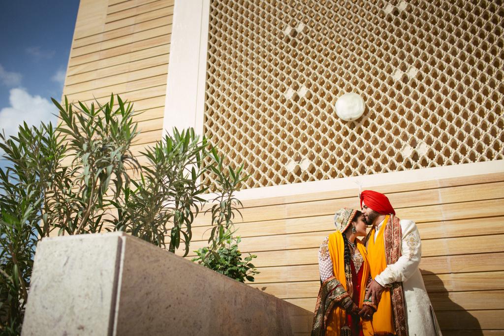 destination-dubai-sikh-wedding-into-candid-photography-pd-0056.jpg