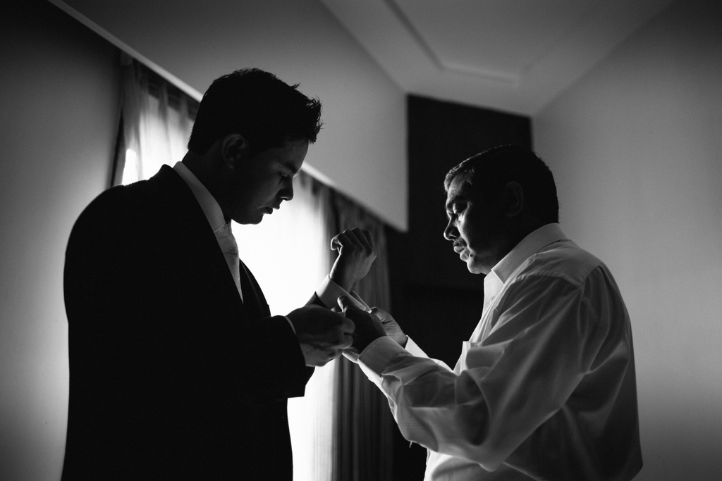 mumbai-church-wedding-into-candid-photography-mr-09.jpg