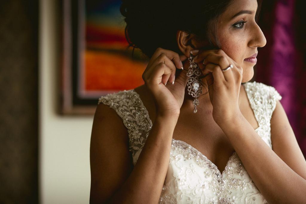mumbai-church-wedding-into-candid-photography-mr-24.jpg