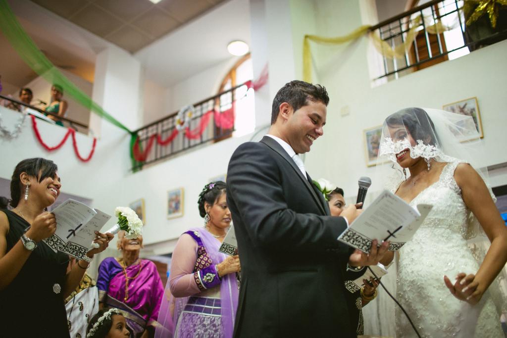 mumbai-church-wedding-into-candid-photography-mr-64.jpg