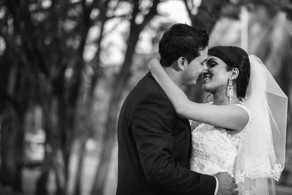 mumbai-church-wedding-into-candid-photography-mr-1001.jpg