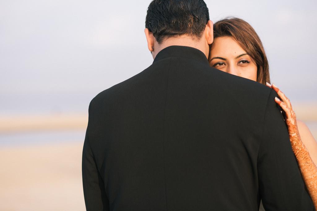 goa-beach-pre-wedding-couple-session-into-candid-photography-mk-07.jpg