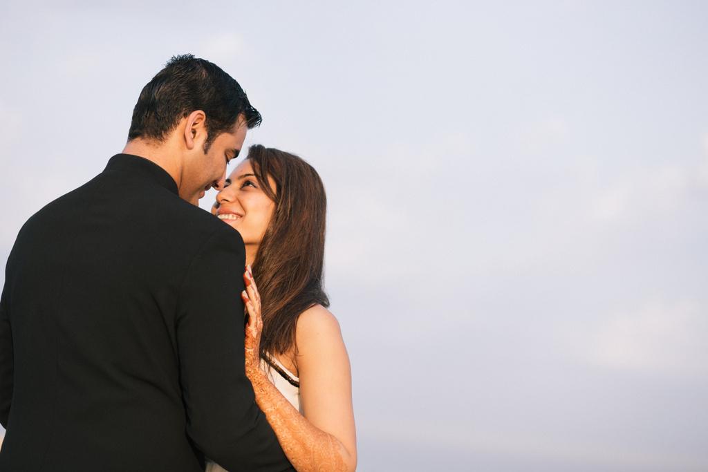goa-beach-pre-wedding-couple-session-into-candid-photography-mk-151.jpg