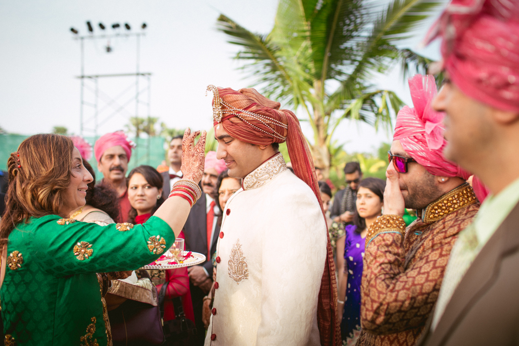 goa-destination-wedding-into-candid-photography-27.jpg