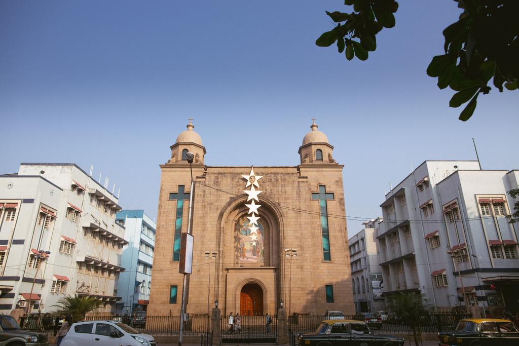 church-wedding-mumbai-into-candid-photography-3011.jpg