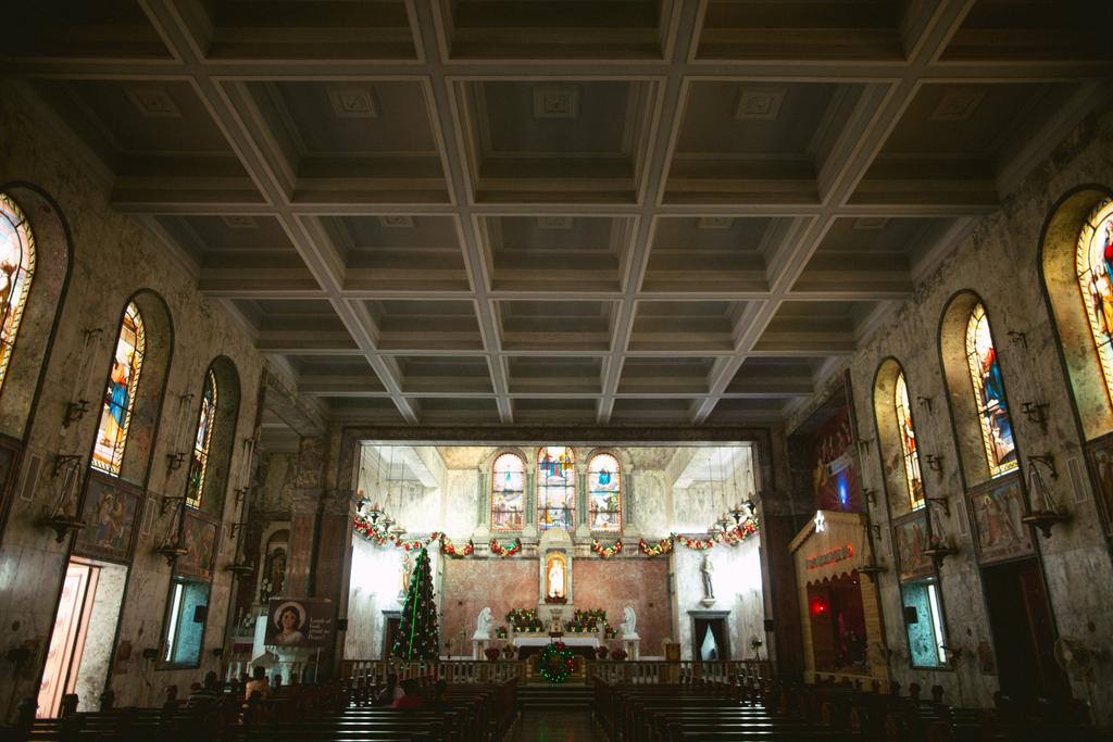 church-wedding-mumbai-into-candid-photography-4712.jpg