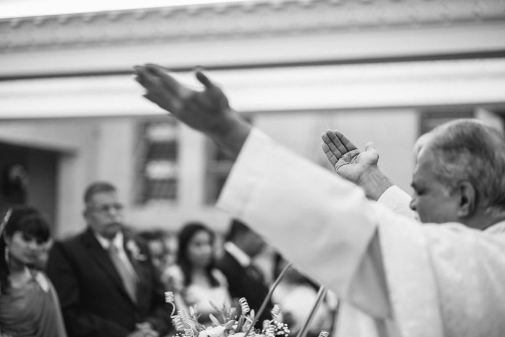 church-wedding-mumbai-into-candid-photography-6259.jpg