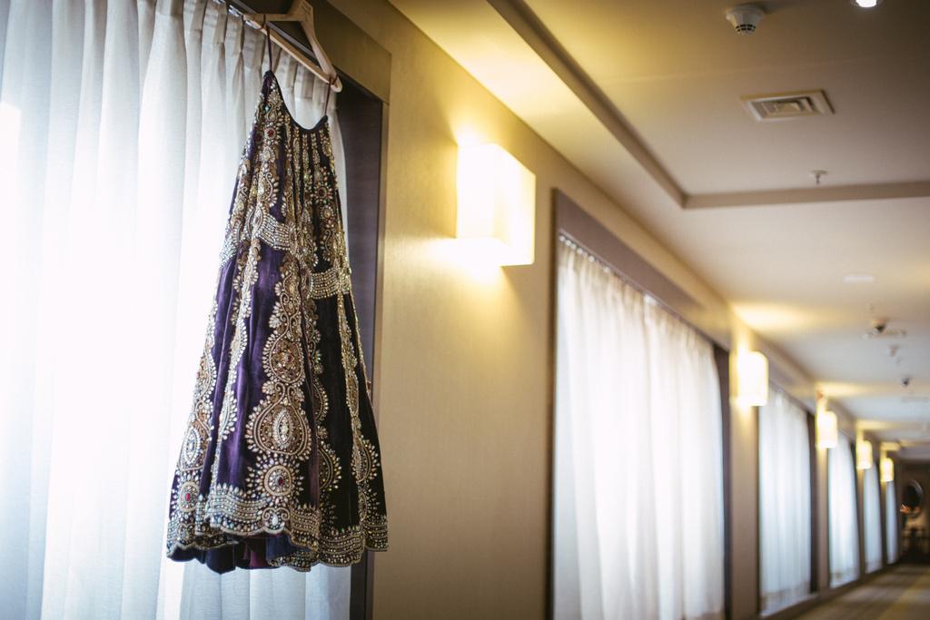 into-candid-photography-hindu-wedding-mumbai-ks-02.jpg