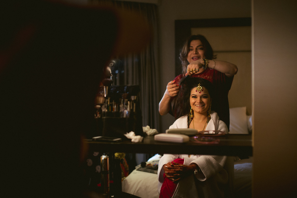 into-candid-photography-hindu-wedding-mumbai-ks-04.jpg