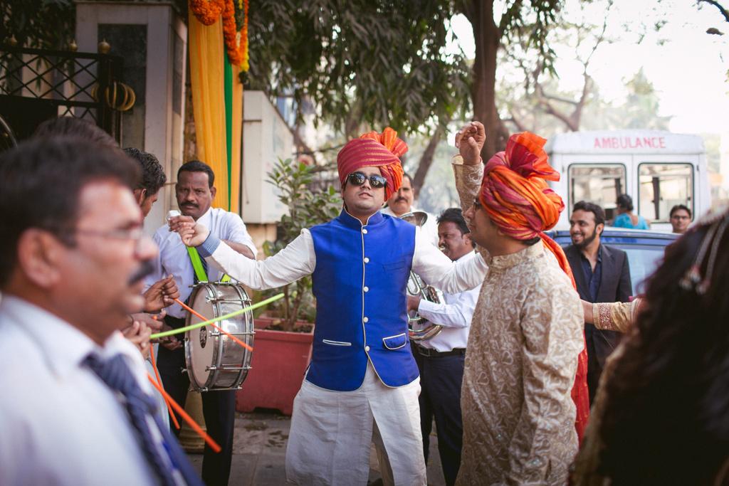into-candid-photography-hindu-wedding-mumbai-ks-13.jpg