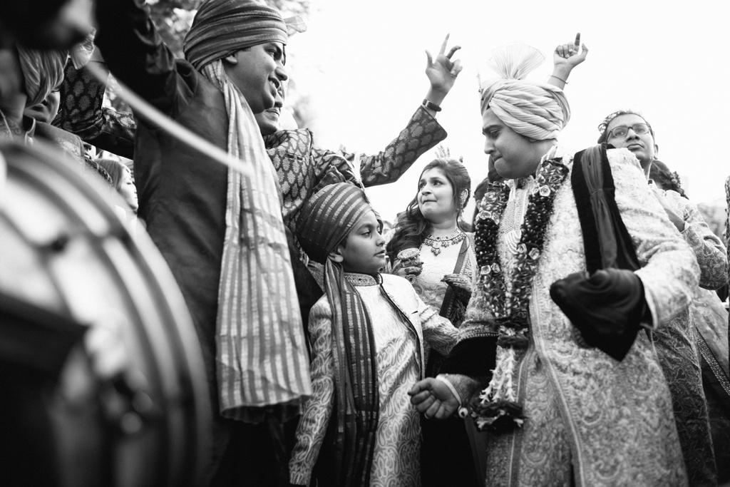 into-candid-photography-hindu-wedding-mumbai-ks-18.jpg