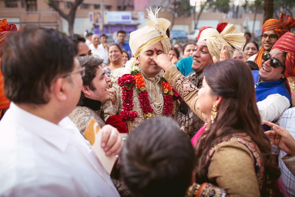 into-candid-photography-hindu-wedding-mumbai-ks-22.jpg