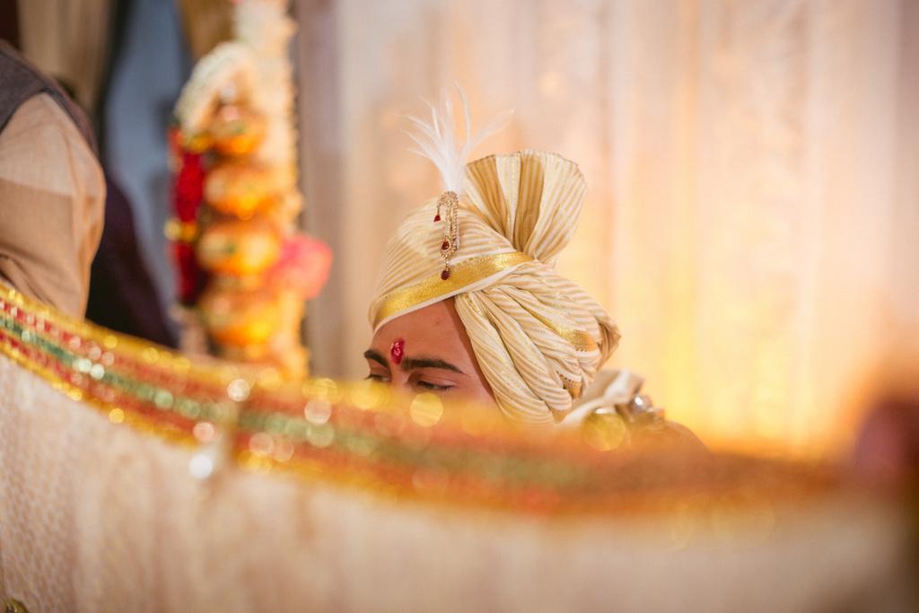 into-candid-photography-hindu-wedding-mumbai-ks-28.jpg