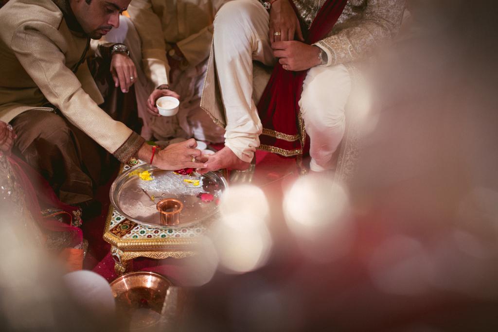 into-candid-photography-hindu-wedding-mumbai-ks-27.jpg