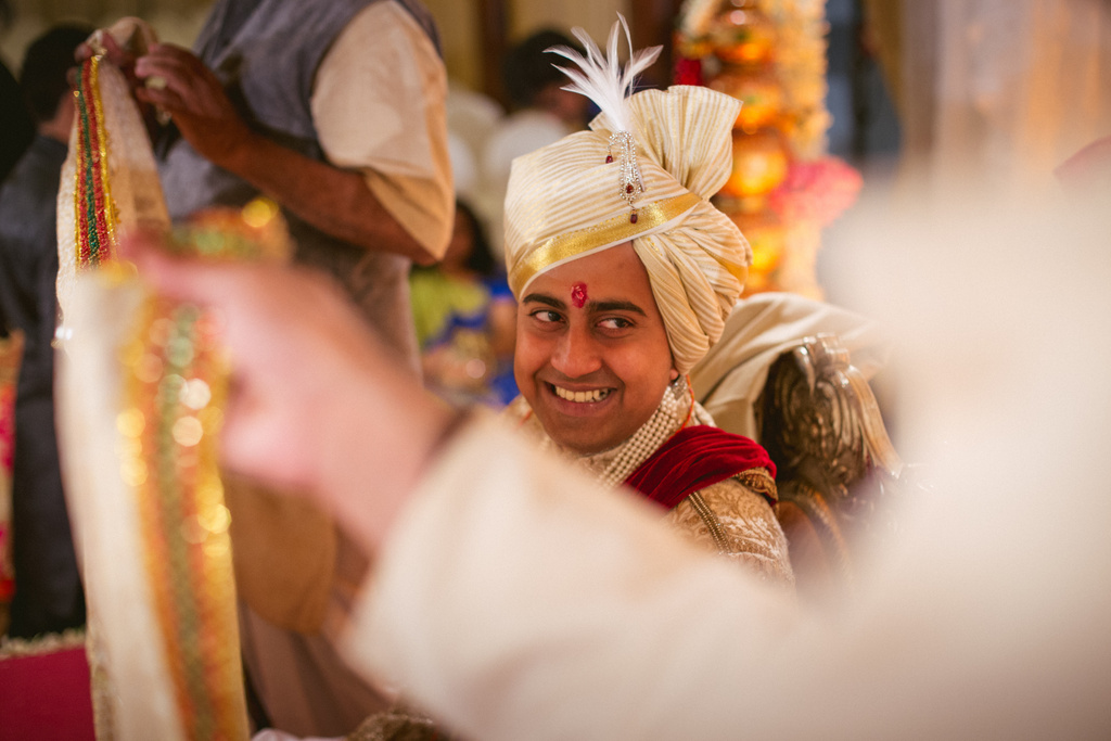 into-candid-photography-hindu-wedding-mumbai-ks-29.jpg