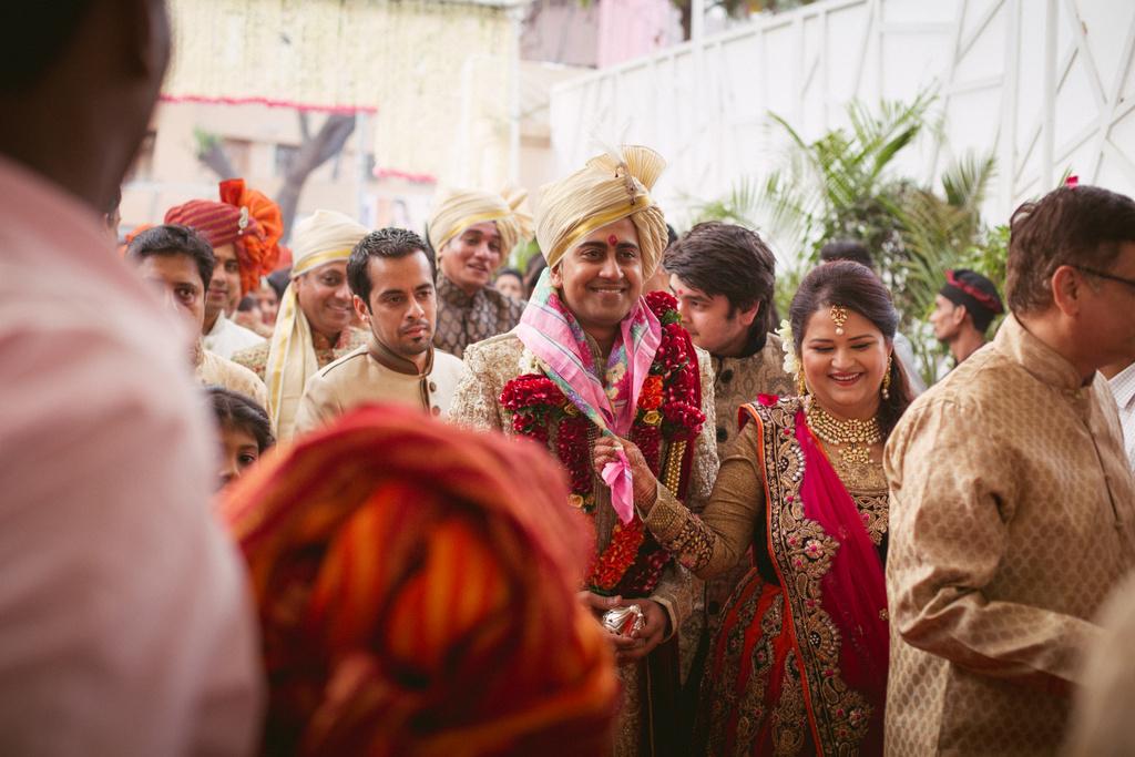 into-candid-photography-hindu-wedding-mumbai-ks-23.jpg
