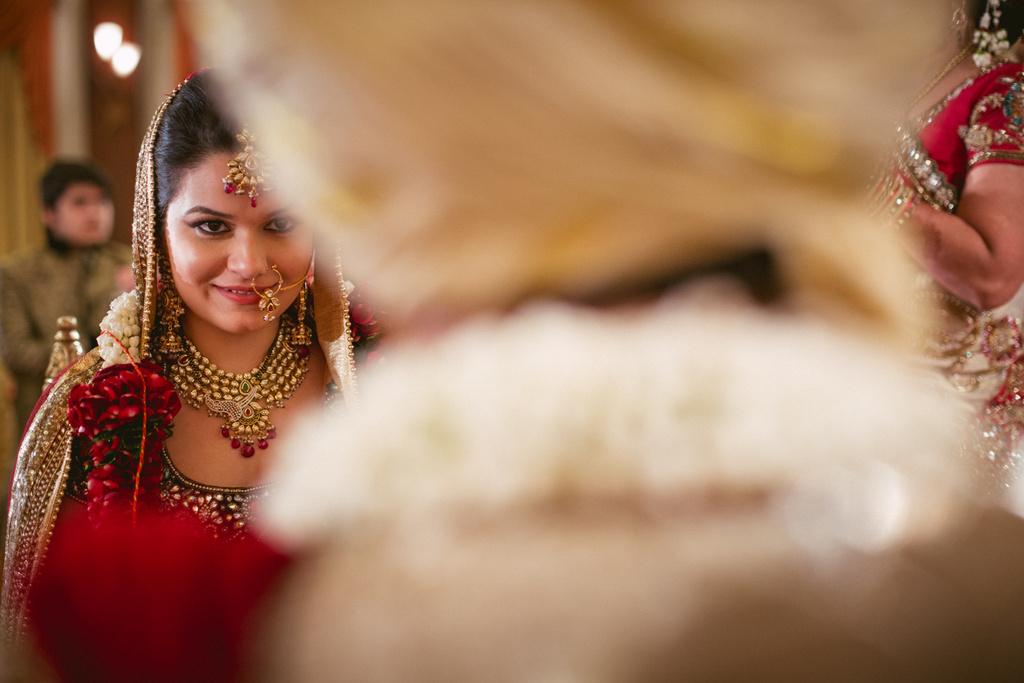 into-candid-photography-hindu-wedding-mumbai-ks-33.jpg