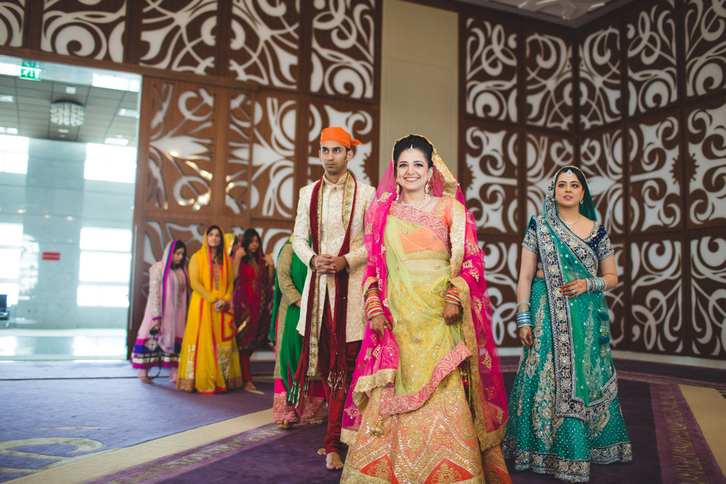 destination-wedding-photography-dubai-into-candid-gurudwara-rv-039.jpg