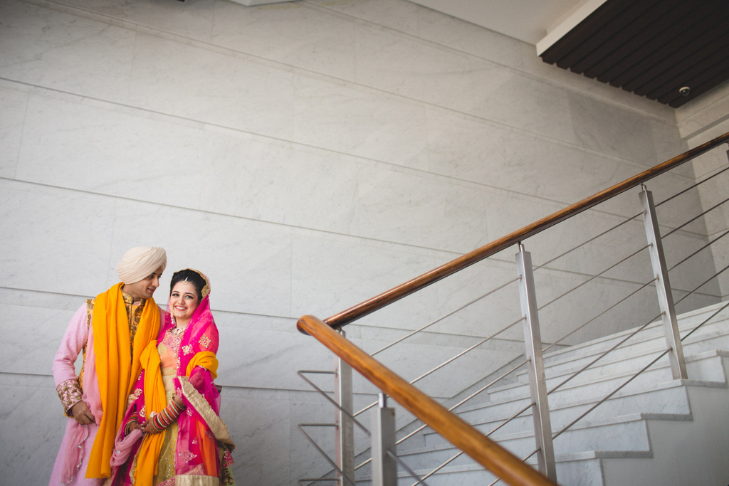 destination-wedding-photography-dubai-into-candid-gurudwara-rv-063.jpg