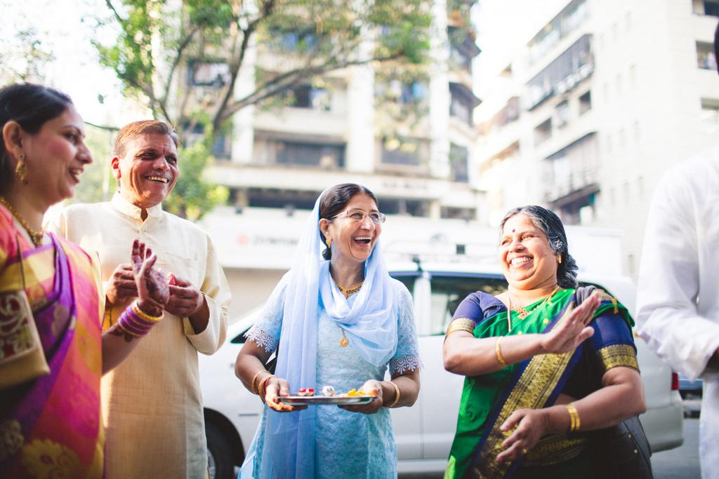 mumbai-candid-wedding-photographer-into-candid-av-04.jpg