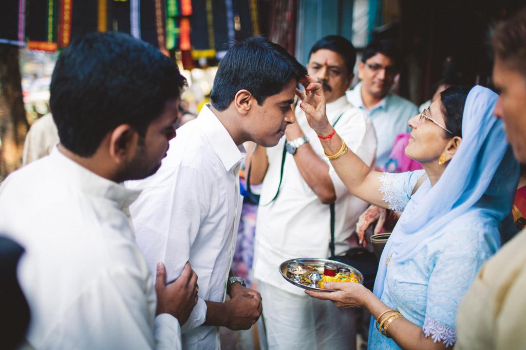 mumbai-candid-wedding-photographer-into-candid-av-06.jpg