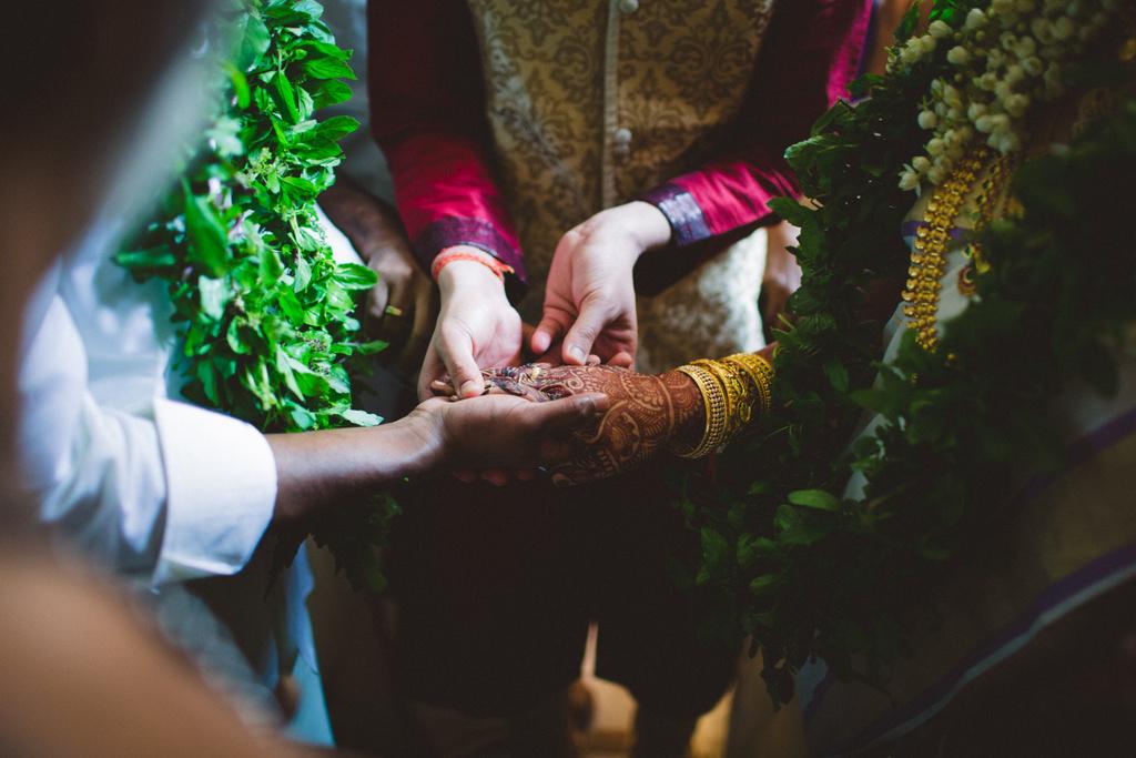 mumbai-candid-wedding-photographer-into-candid-av-12.jpg