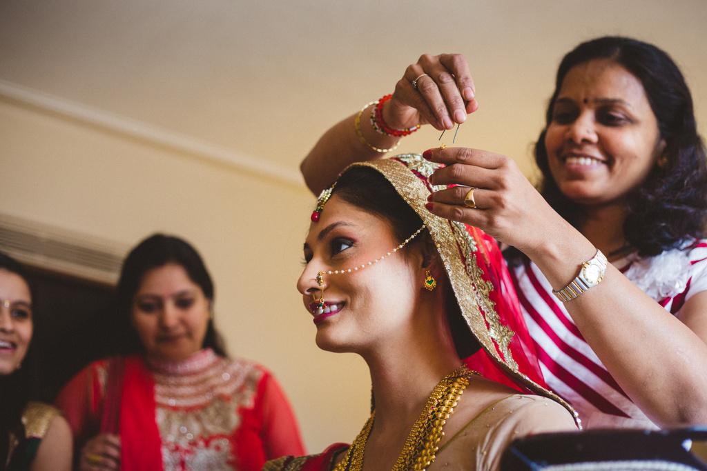 mumbai-candid-wedding-photographer-into-candid-av-26.jpg