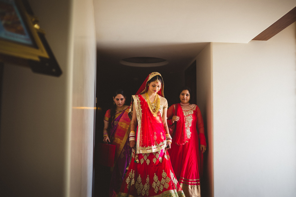 mumbai-candid-wedding-photographer-into-candid-av-29.jpg