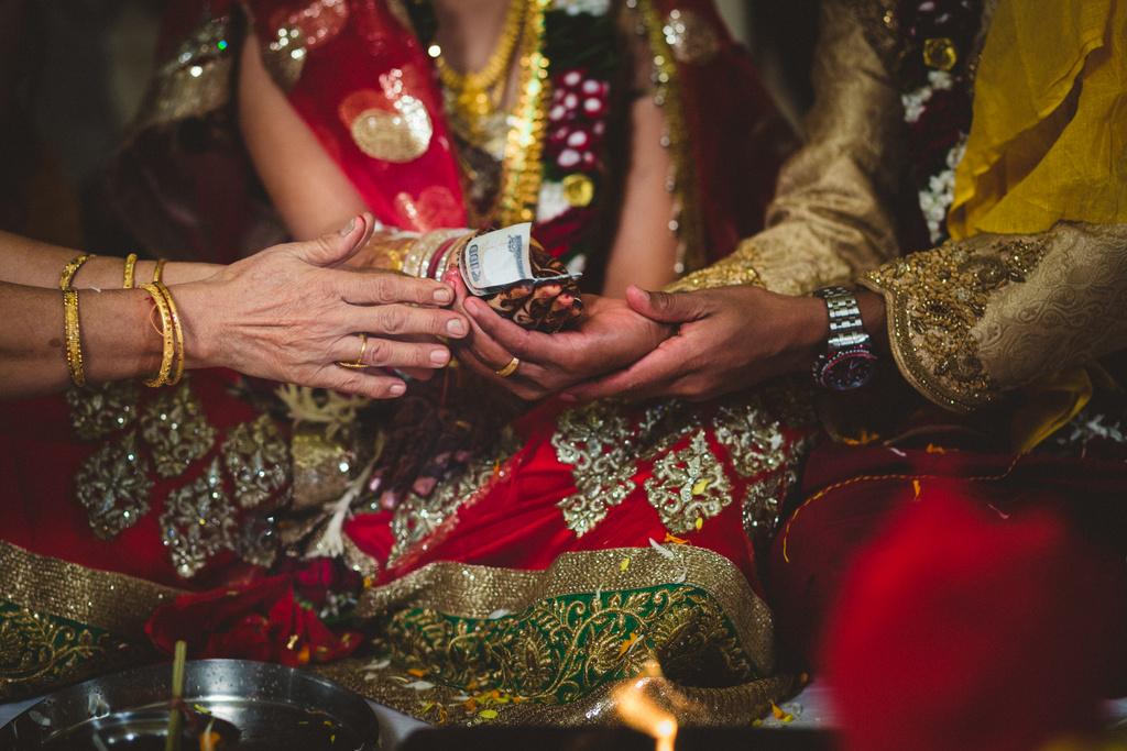 mumbai-candid-wedding-photographer-into-candid-av-34.jpg