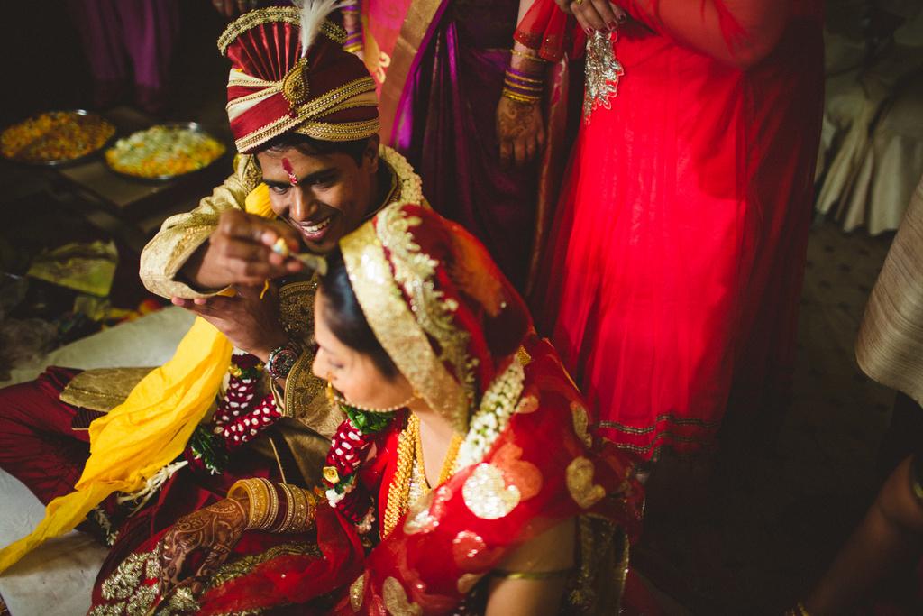 mumbai-candid-wedding-photographer-into-candid-av-40.jpg