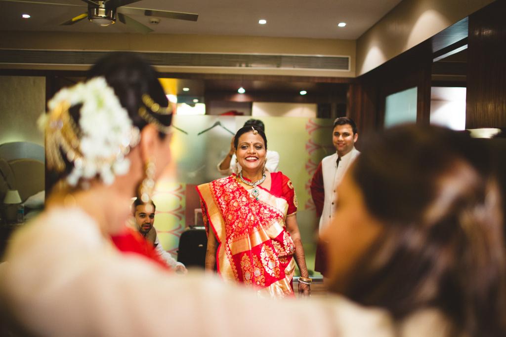 pune-corinthains-wedding-into-candid-photography-da-03-9.jpg