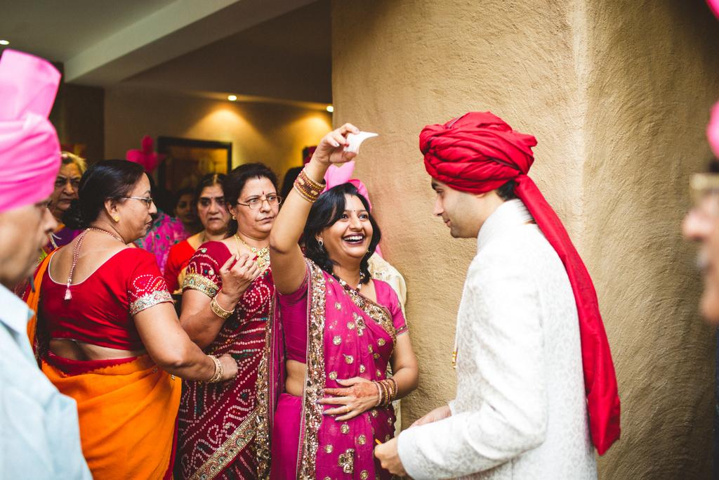 pune-corinthains-wedding-into-candid-photography-da-14.jpg