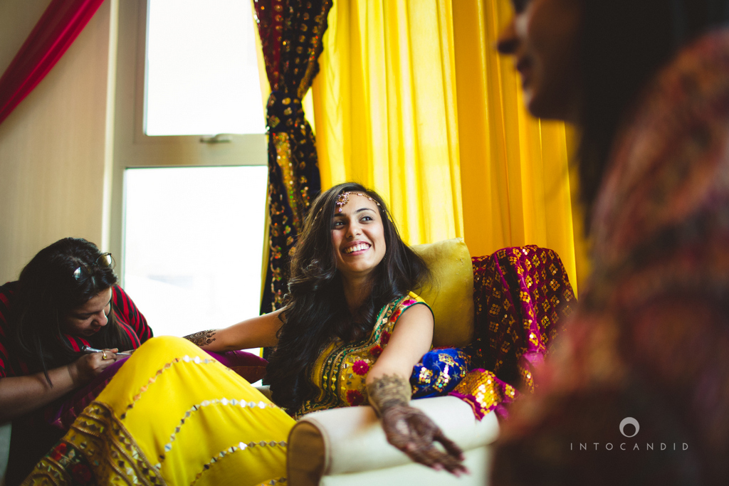 02dubai-wedding-photography-mehendi-intocandid.jpg