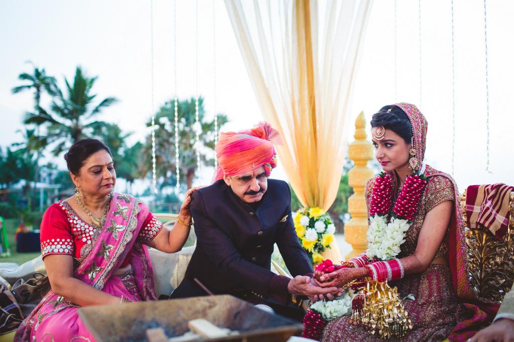 zuriwhitesands-goa-destination-wedding-photography-intocandid-57.jpg