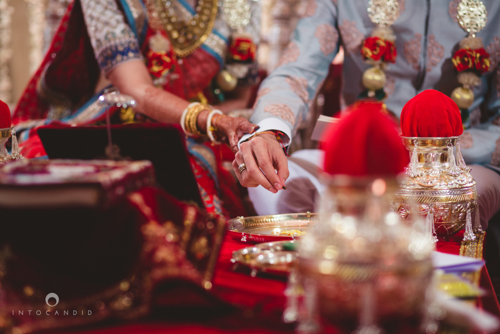 saharastar-mumbai-hindu-wedding-photography-intocandid-ma-38.jpg