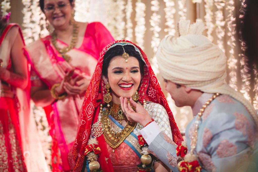 saharastar-mumbai-hindu-wedding-photography-intocandid-ma-40.jpg