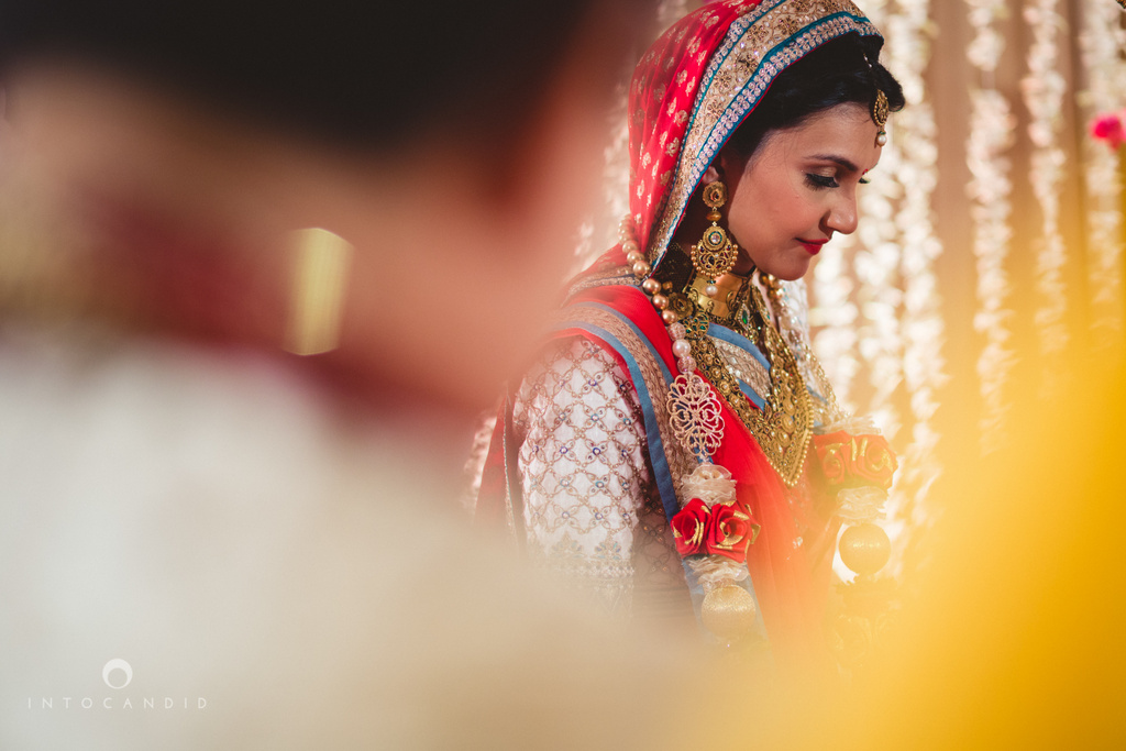 saharastar-mumbai-hindu-wedding-photography-intocandid-ma-44.jpg