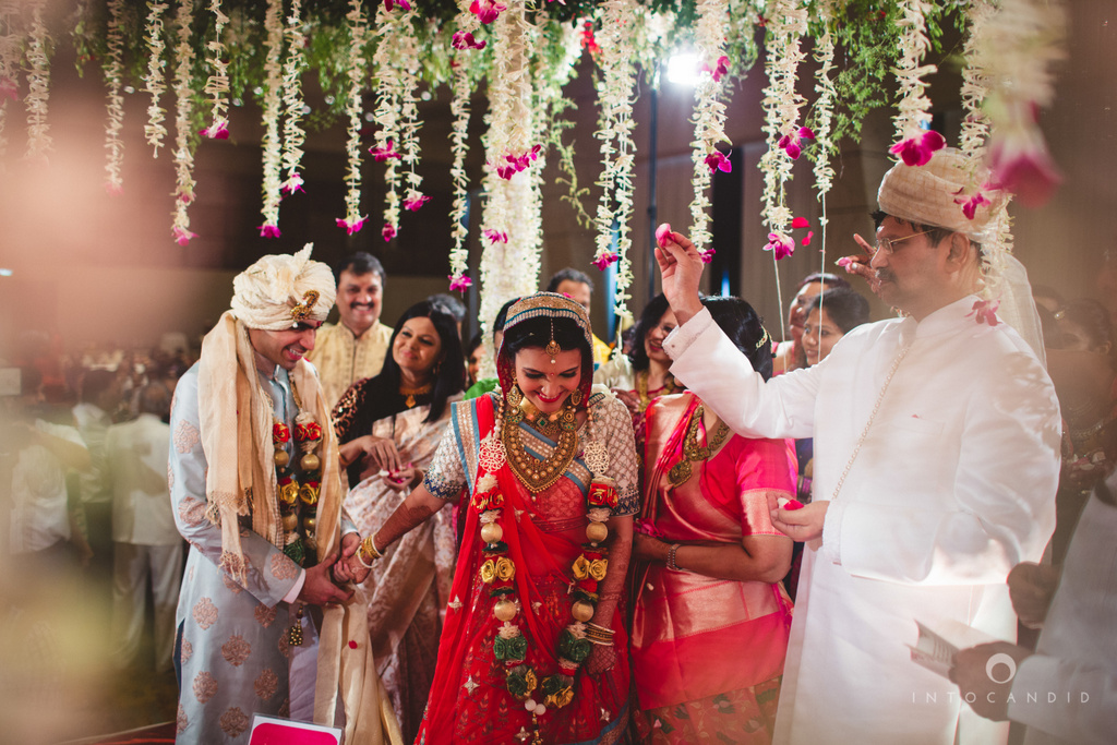 saharastar-mumbai-hindu-wedding-photography-intocandid-ma-43.jpg