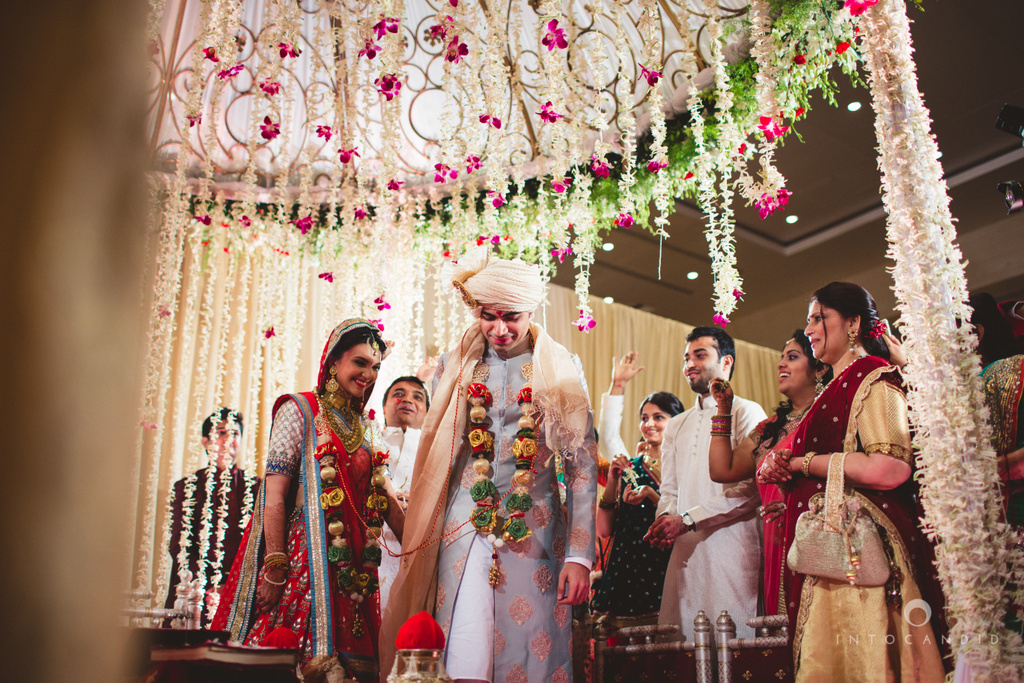 saharastar-mumbai-hindu-wedding-photography-intocandid-ma-47.jpg