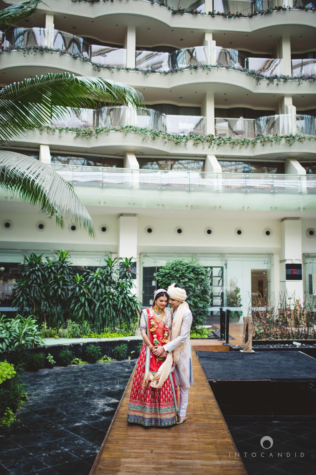 saharastar-mumbai-hindu-wedding-photography-intocandid-ma-50.jpg