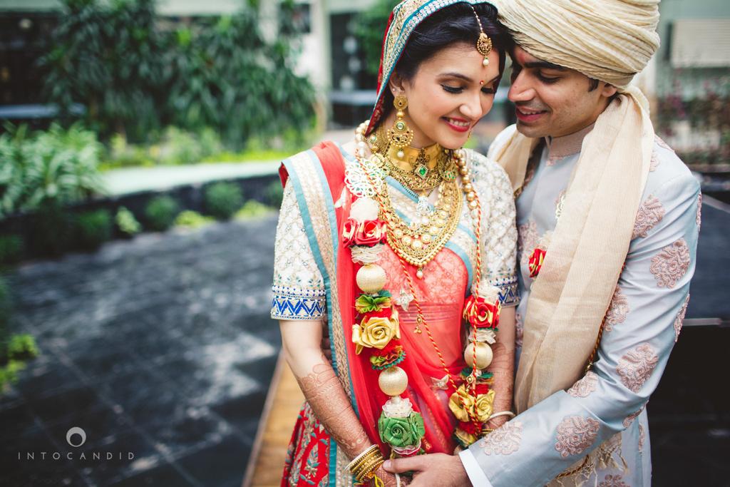 saharastar-mumbai-hindu-wedding-photography-intocandid-ma-52.jpg