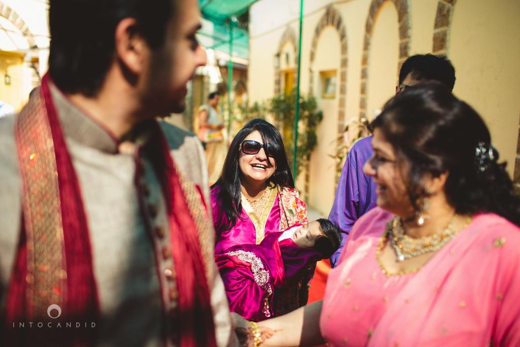 juhuhotel-mumbai-hindu-wedding-photography-intocandid-photography-nj-10.jpg