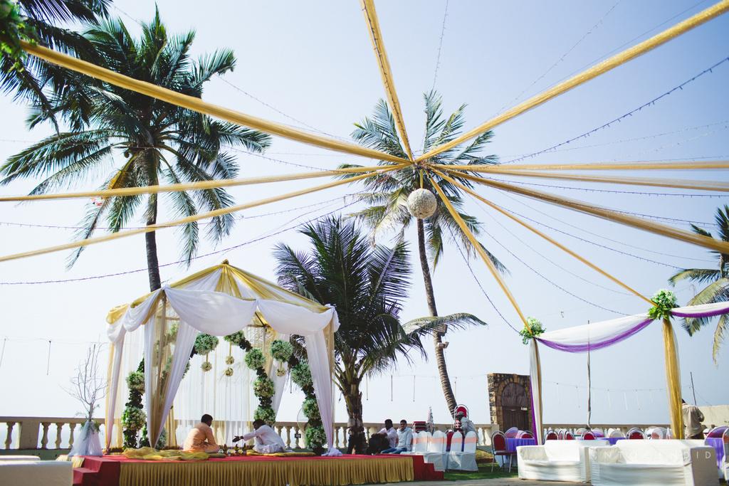 juhuhotel-mumbai-hindu-wedding-photography-intocandid-photography-nj-11.jpg