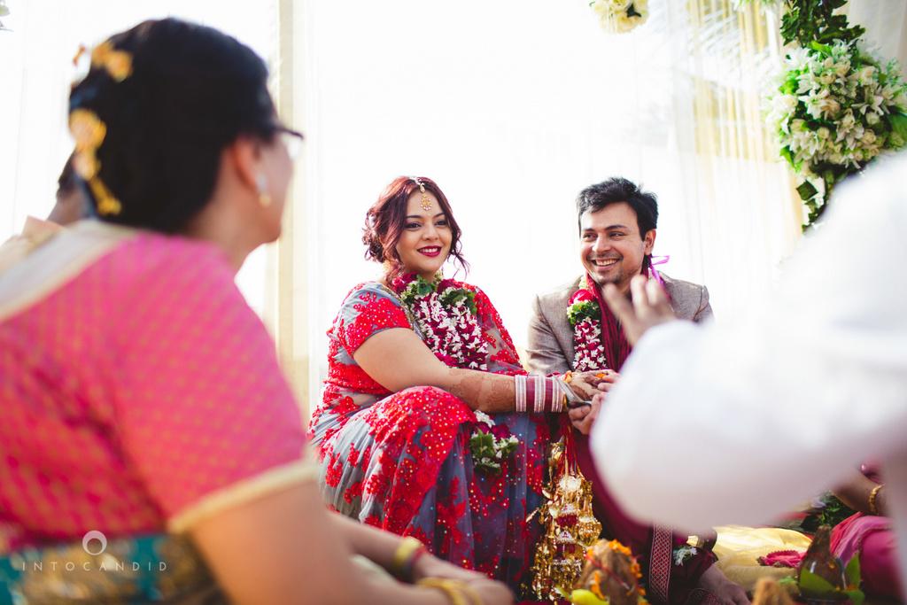 juhuhotel-mumbai-hindu-wedding-photography-intocandid-photography-nj-20.jpg