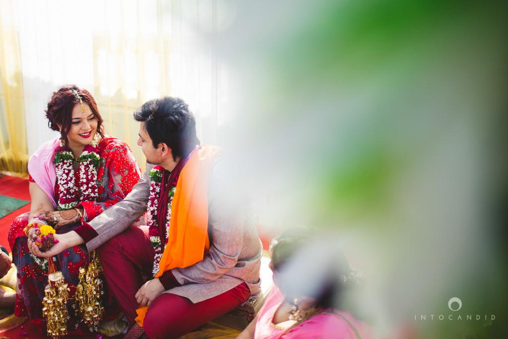 juhuhotel-mumbai-hindu-wedding-photography-intocandid-photography-nj-23.jpg
