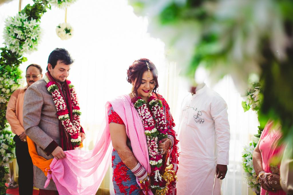 juhuhotel-mumbai-hindu-wedding-photography-intocandid-photography-nj-26.jpg