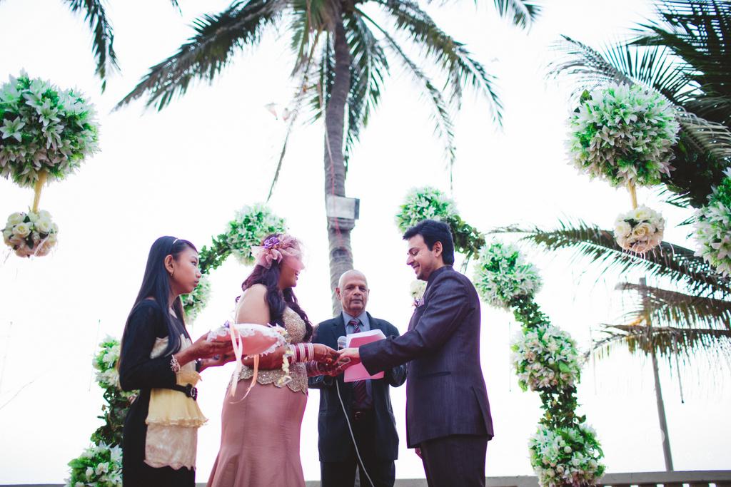 juhuhotel-mumbai-vowsexchange-photography-intocandid-photography-nj-51.jpg